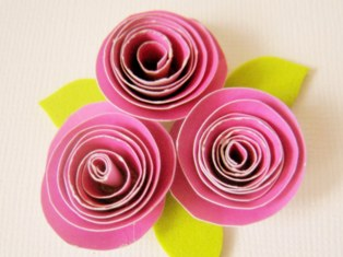 How to make paper roses free tutorial on how to make paper flowers make paper roses mightylinksfo